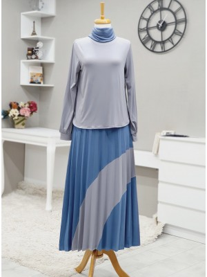 Short Front Set with Pleated Skirt and Piece Detailed -Grey