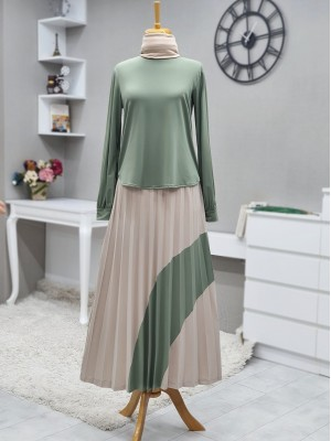 Short Front Set with Pleated Skirt and Piece Detailed -Green