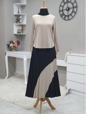 Short Front Set with Pleated Skirt and Piece Detailed - Beige