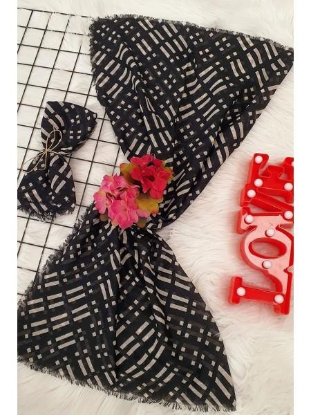 Stripe Patterned Scarf -Black