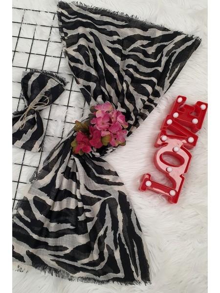 Large Zebra Patterned Scarf -Black