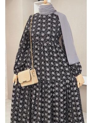 Long Dress With Flower Piece -Black