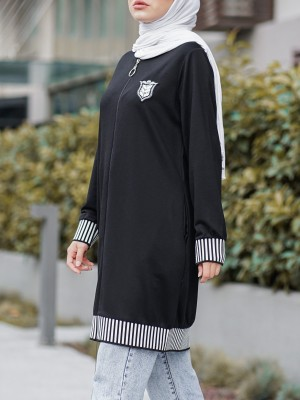 Coat of Arms and Elastic Combed Cotton Coat with Emblem Stones -Black