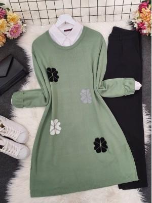 Crew Neck Daisy Embossed Knitwear Tunic -Green