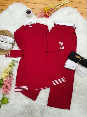 Skirt and Sleeve Striped Slit Knitwear Set -Red