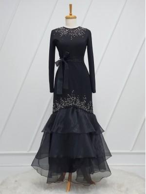 Eteği Kat Kat İncili Taş Detaylı Kemerli Elbise -Siyah