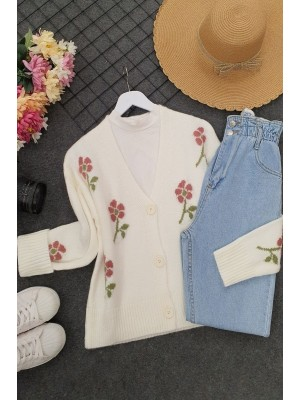 Çiçek İşlemeli Düğmeli Cepsiz Kısa Triko Hırka -Beyaz